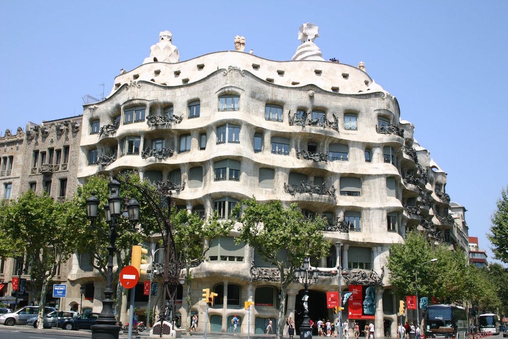 Casa Milà - tour guide