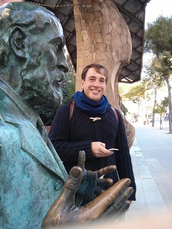 Stroll Gaudi tour Barcelona